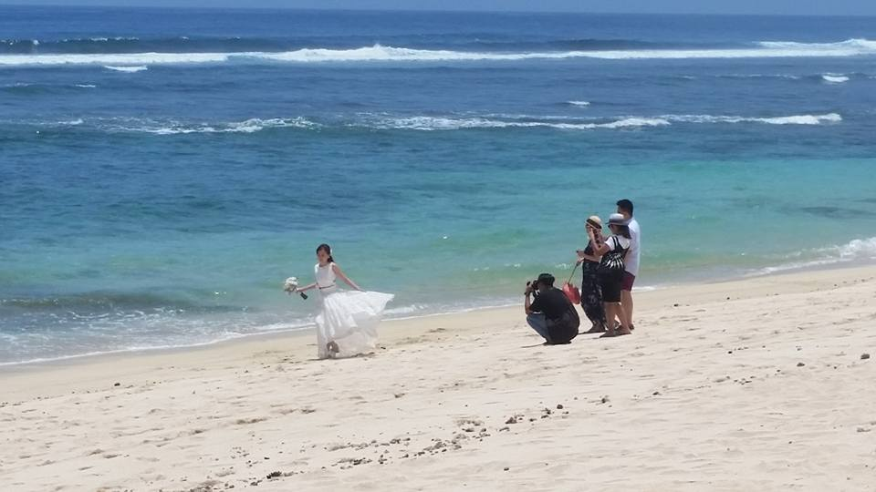 wedding-at-melasti-beach